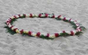 kauai wedding servcies circle of flowers