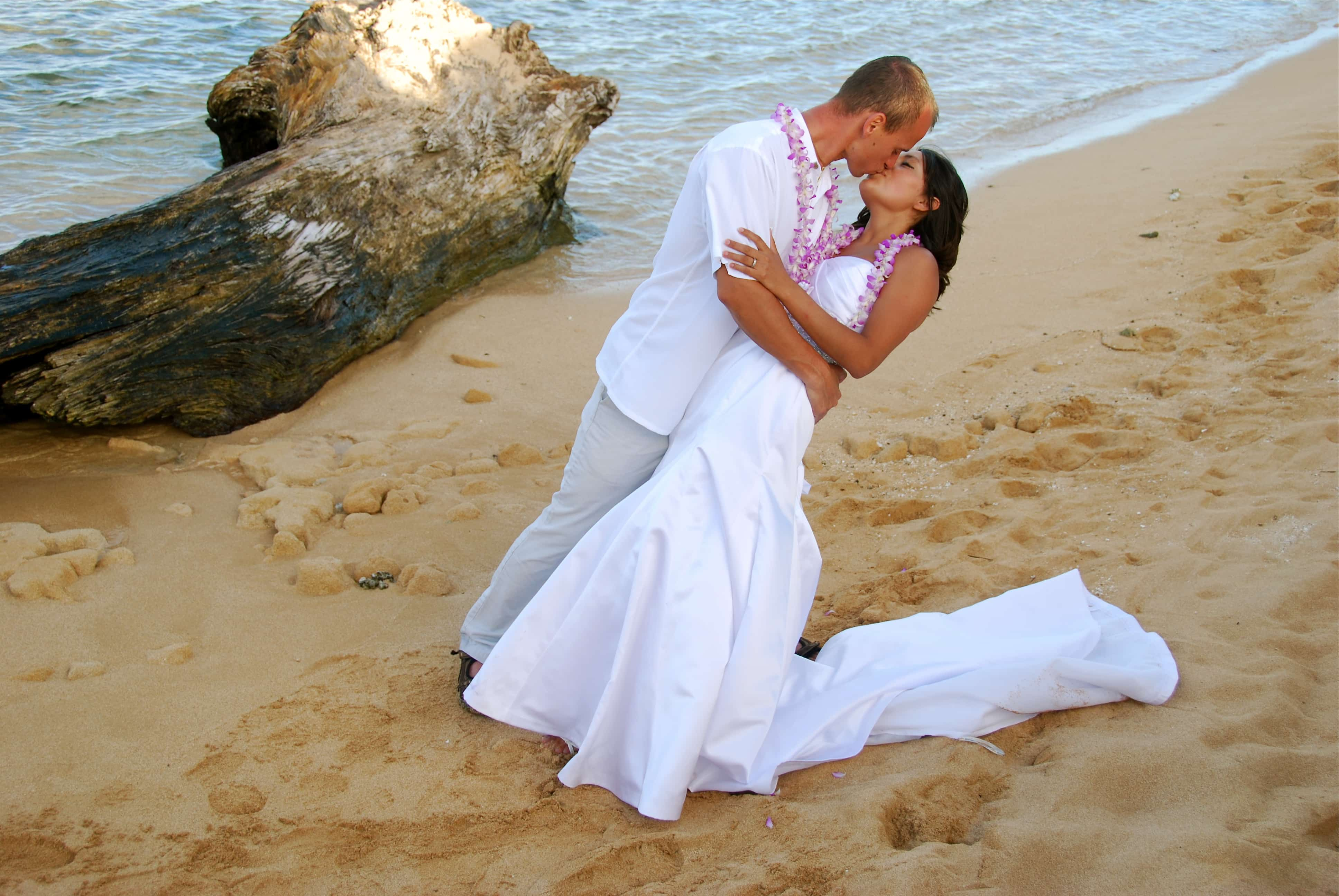 What You Need To Know About Kauai Beach Weddings And Hawaii In General